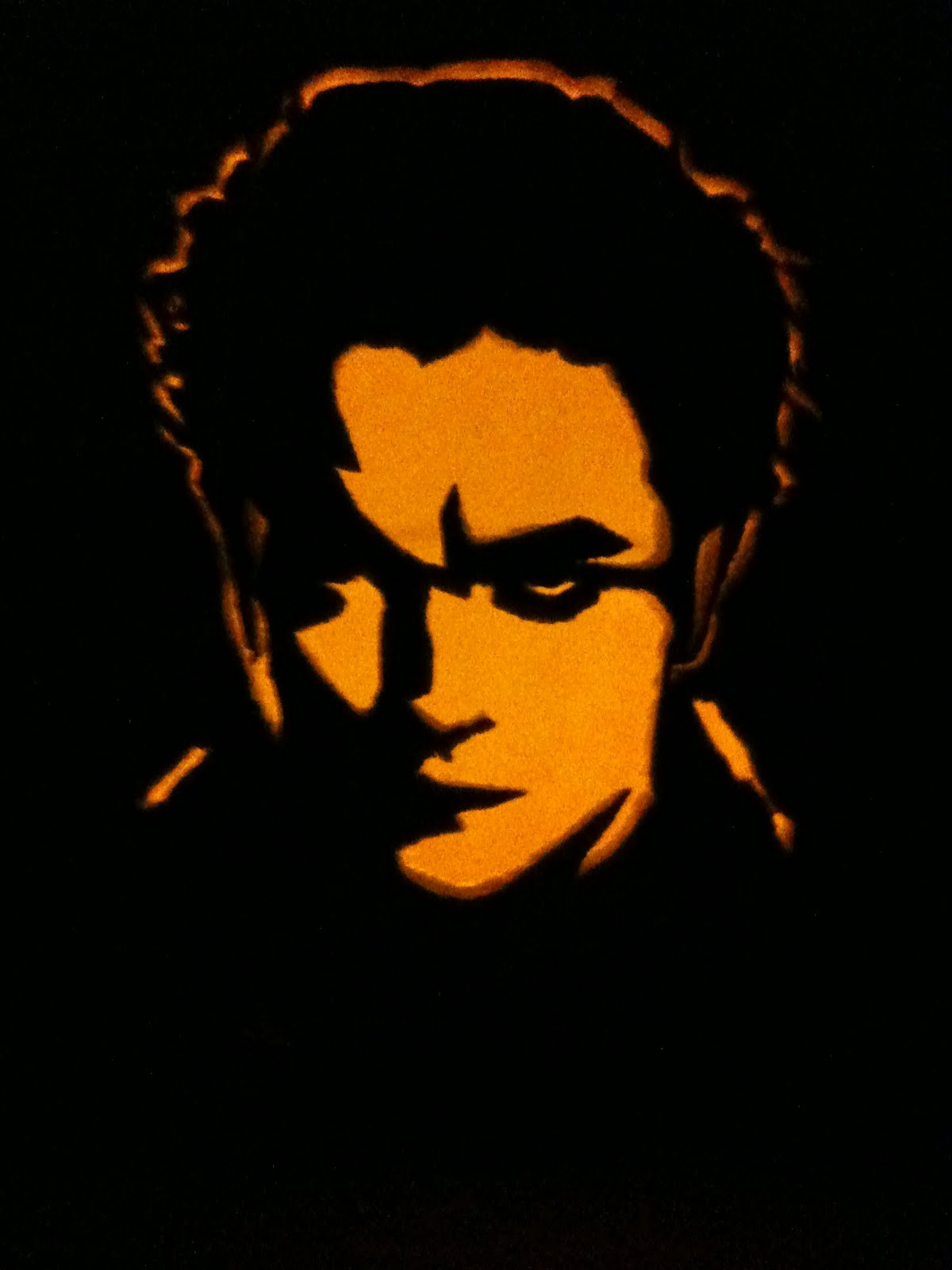 edward_pumpkin_stencil_dark